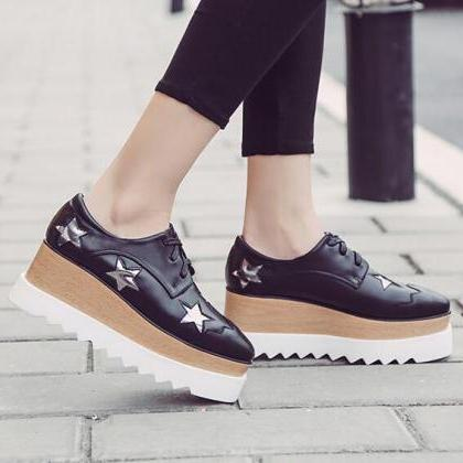 Lace-Up Skate Shoes Featuring Star ..