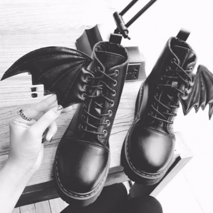 Ulass Black Demon Wings Martin Boot..