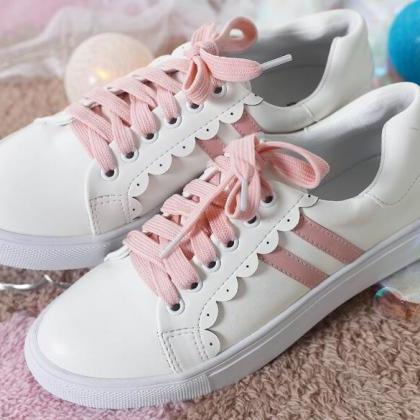 Ulass Sweet Lace Up White Sneakers