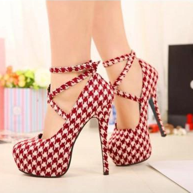 Houndstooth Printed Stiletto Pumps ..
