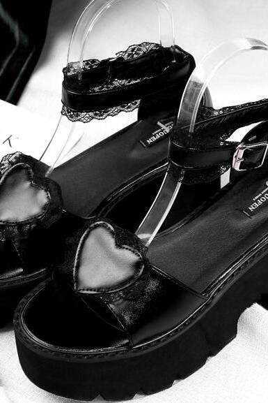 Ulass Lolita Black Lacy Heart Platform Sandals