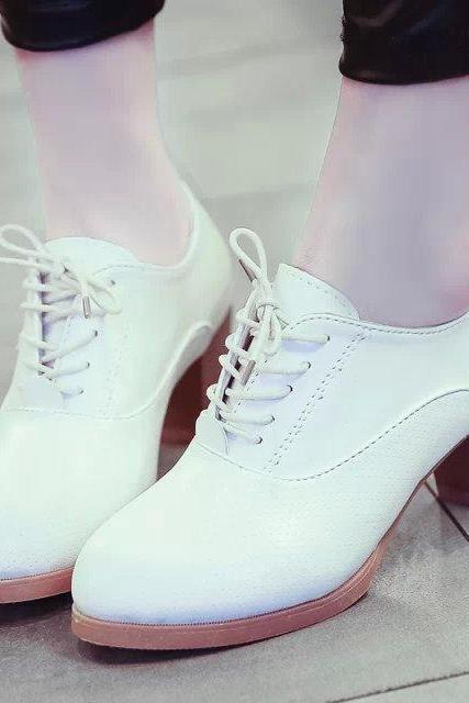 Oxford Shoes with Low Stacked Heel
