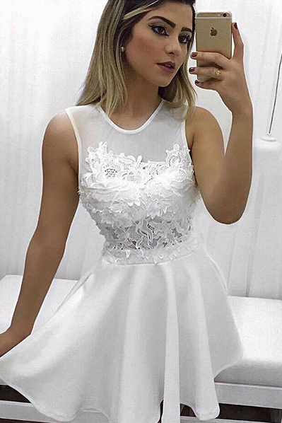 Ulass Elegant Homecoming Dresses,A-Line Homecoming Dress,Jewel Prom Dresses,Sleeveless Prom Gown,White Homecoming Dresses,Short Homecoming Dress With Lace