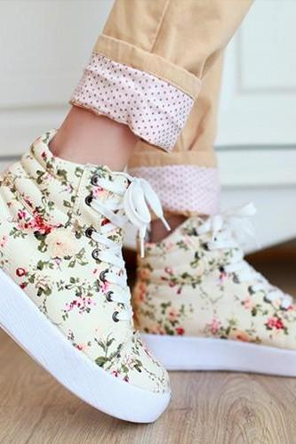 Ulass Beige/Black Color Awesome Floral Canvas Boots Sneakers Shoes
