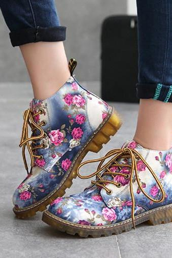 Ulass Fashion Retro Printing Autumn ankle boots for women flat heel Cotton shoes woman platform Martin boot ST-059