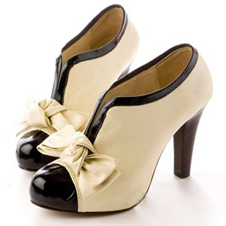 Ulass Adorable Bow Design High Heel Shoes in Beige ST-076