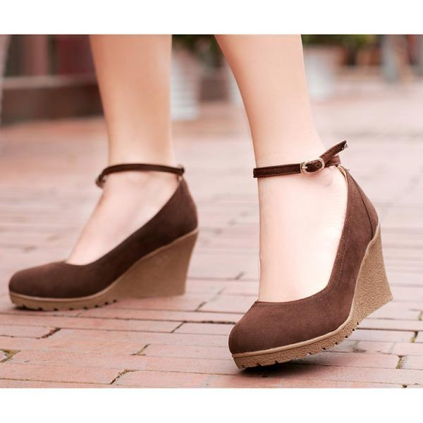 Ulass Upper material: suede Lining material: cloth Cortical features: scrub Sole material: Rubber Opening depth: shallow mouth Style: round toe Heel high: high heels (5-8cm) With the bottom style: slope with Popular elements: slope heel Closed form: set foot ST-033